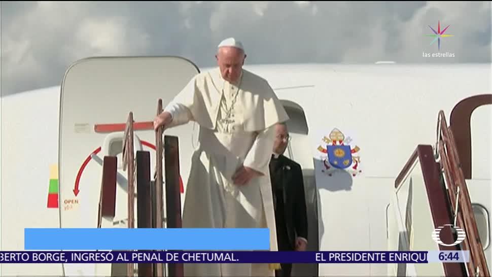 Se reúne el papa Francisco con Aung San Suu Kyi en Myanmar