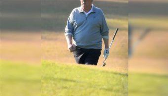 Trump juega al golf en penúltima jornada de su fin de semana en Florida
