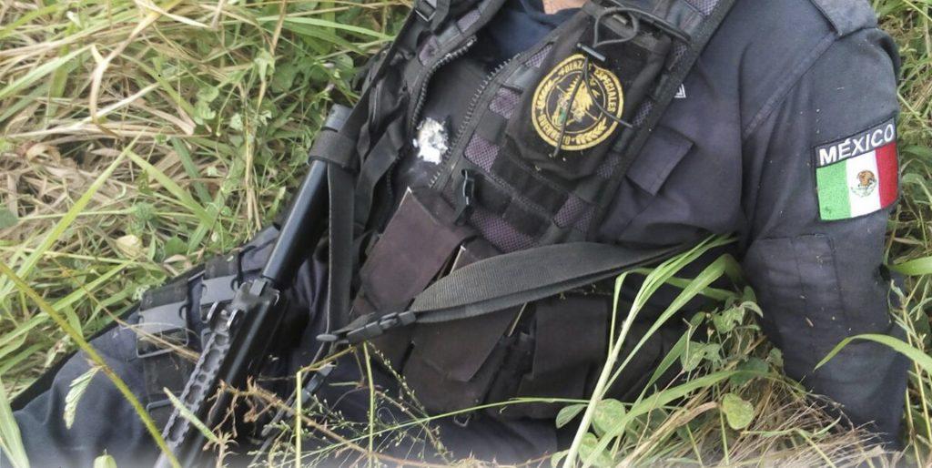 Enfrentamiento entre policías y grupo armado en Zihuatanejo