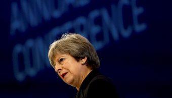 May se compromete a combatir acoso sexual en Parlamento británico