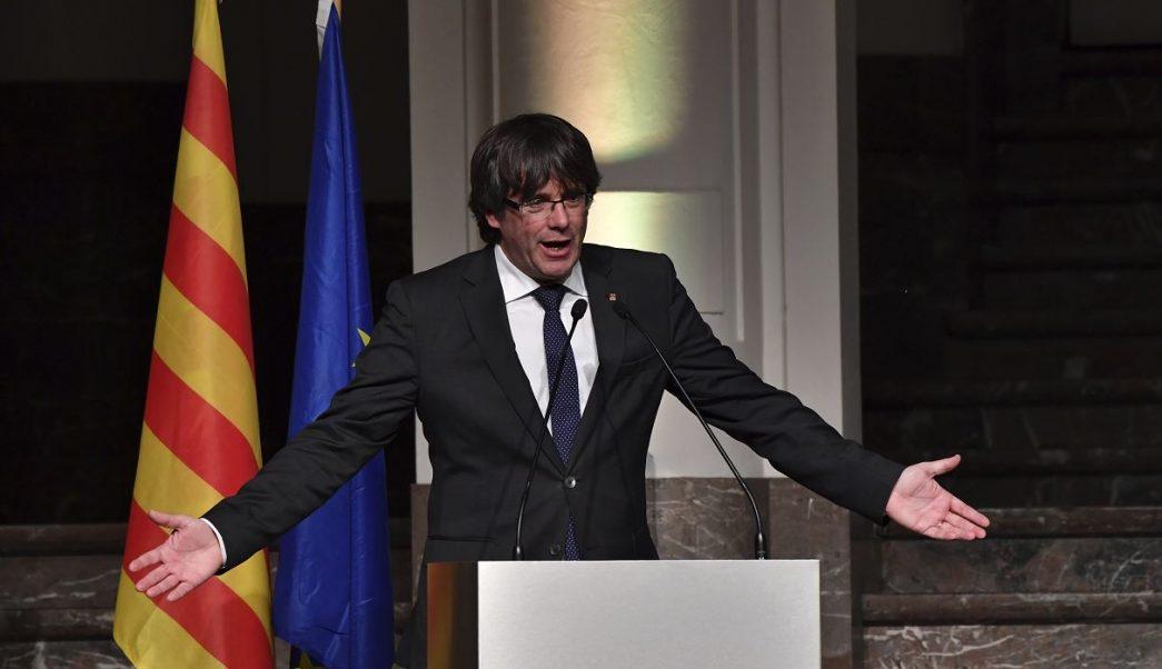 Puigdemont y Junqueras encabezan 2 de las 17 listas de comicios catalanes