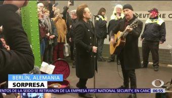 U2 sorprende a usuarios del Metro de Berlín con un concierto
