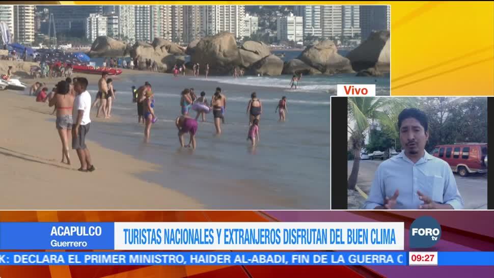 Turistas nacionales y extranjeros disfrutan de Acapulco