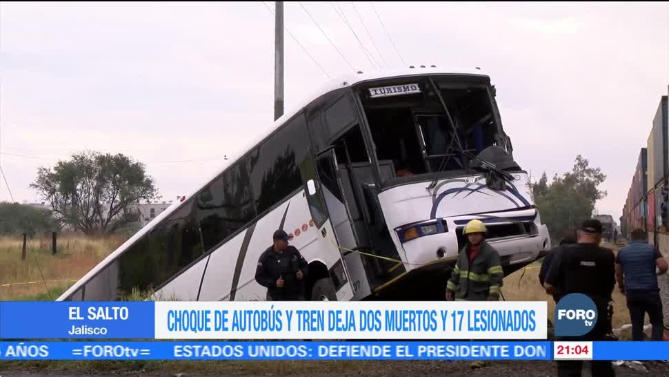 Choque de autobús y tren deja dos muertos en Jalisco