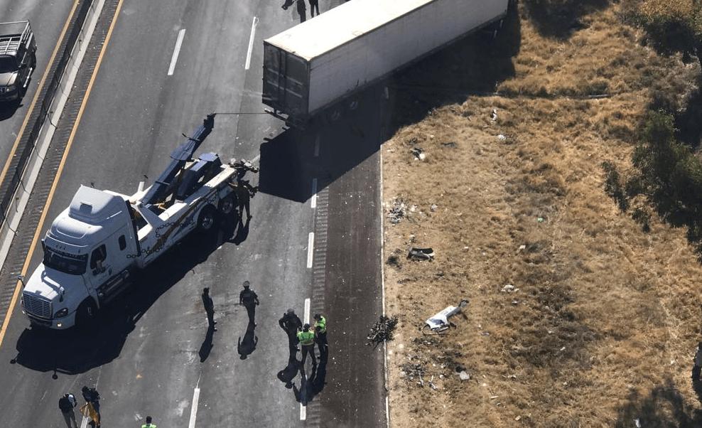 Tráiler sin frenos impacta a vehículos en autopista México-Puebla