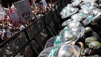 Cámara argentina suspende sesión sobre reforma de pensiones por disturbios