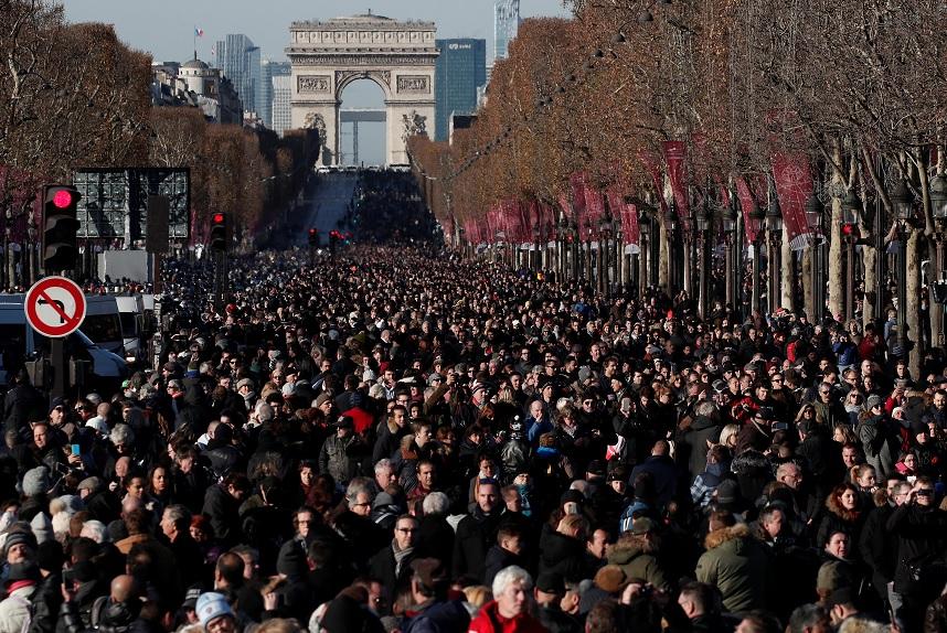 "Miles de franceses despiden a Johnny Hallyday, el ""Elvis francés"""