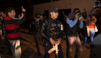 Policías de Honduras se niegan a respetar toque de queda del Gobierno