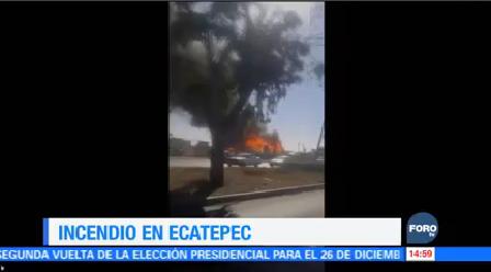 Reportan Incendio Frente Centro Comercial Ecatepec