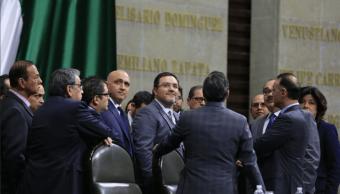 Frente opositor revienta sesión Cámara Diputados