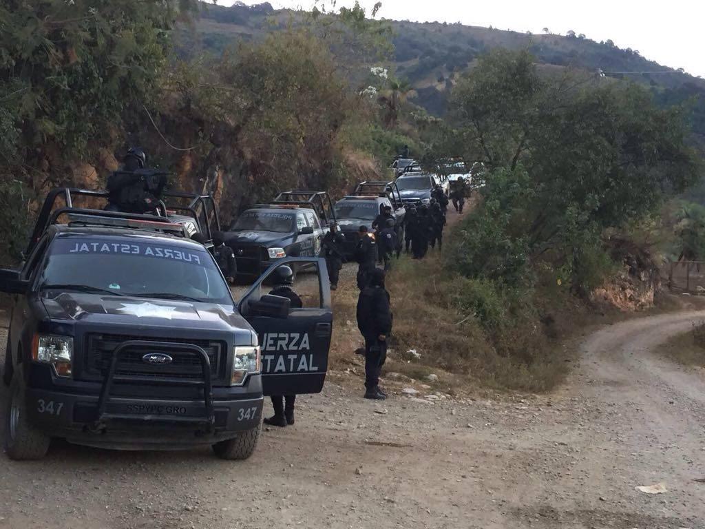 Grupo armado irrumpe en Polixtepec, Guerrero