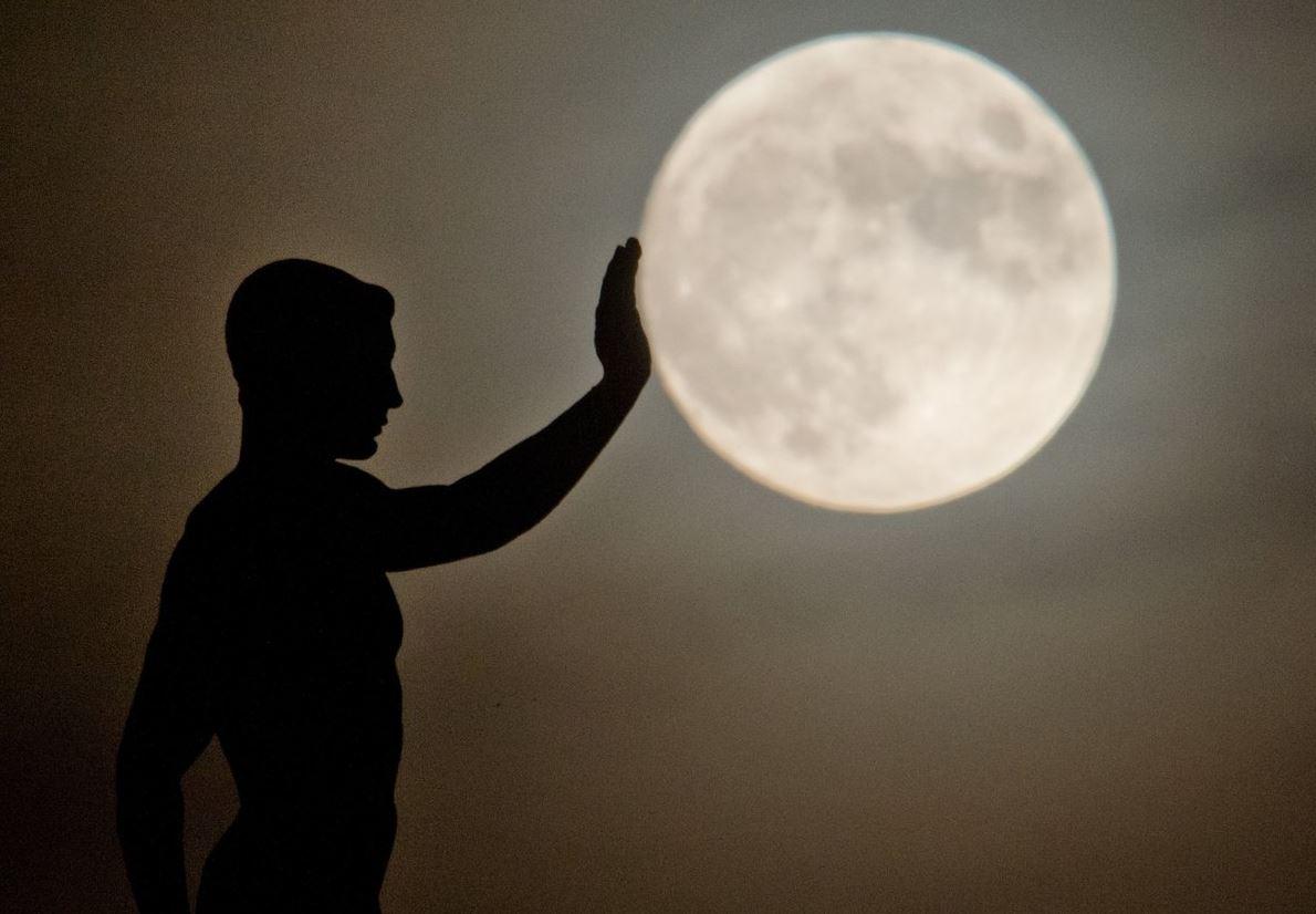 super luna año domingo iluminacion satelite