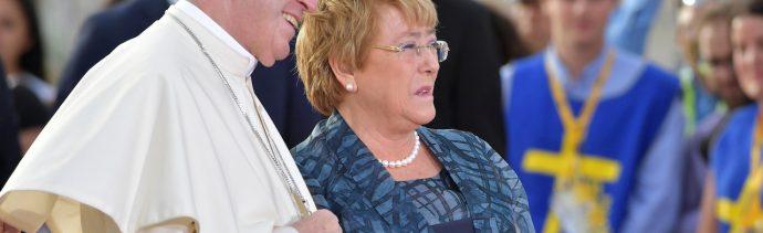 Papa-Francisco-Michelle-Bachelet-mapuche-Chile