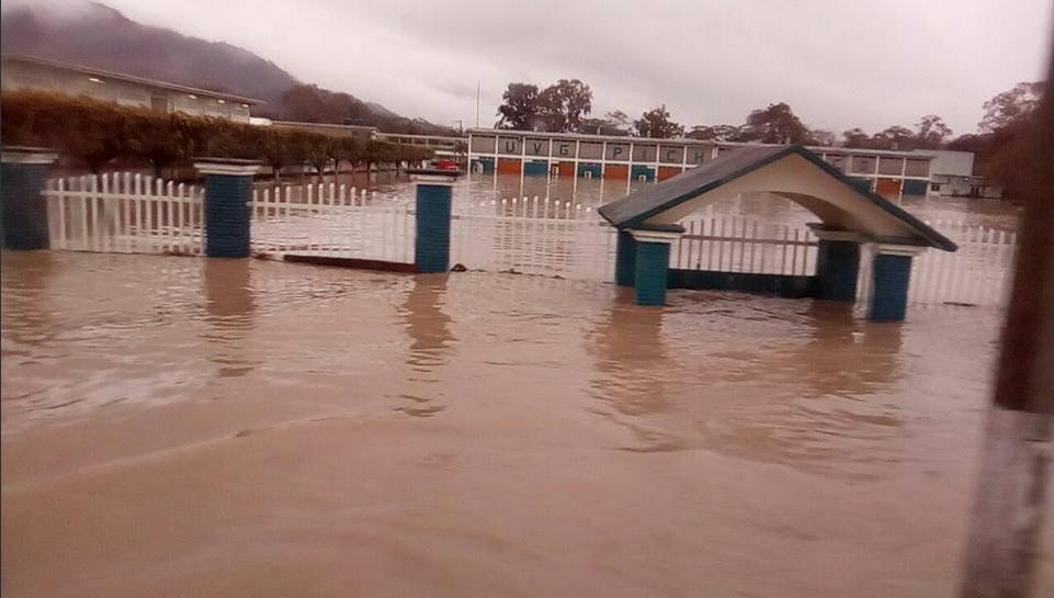 rio pichucalco afecta 80 viviendas en chiapas