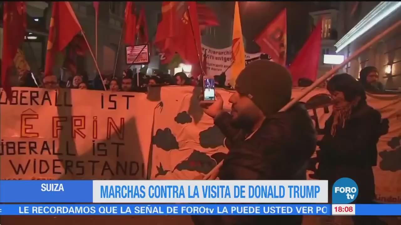 Miles Protestan Contra Trump Participación Foro Económico