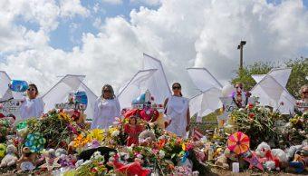 Estudiantes regresan a escuela donde ocurrió tiroteo en Florida