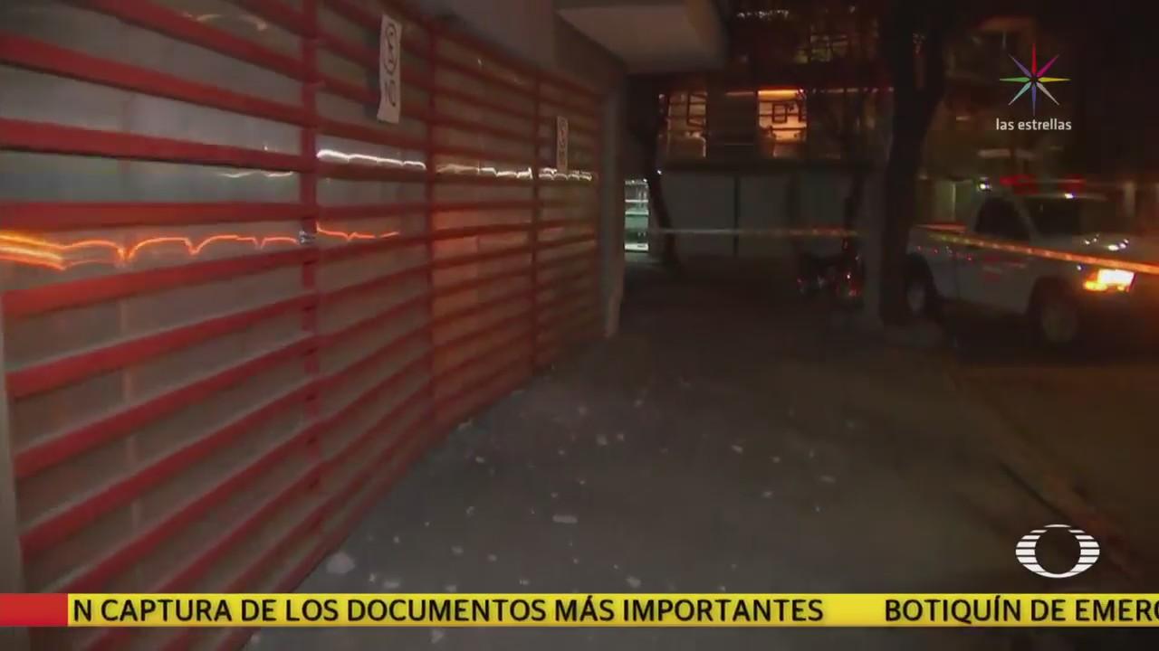 Edificio sufre daños y afecta a construcción aledaña en la colonia Condesa