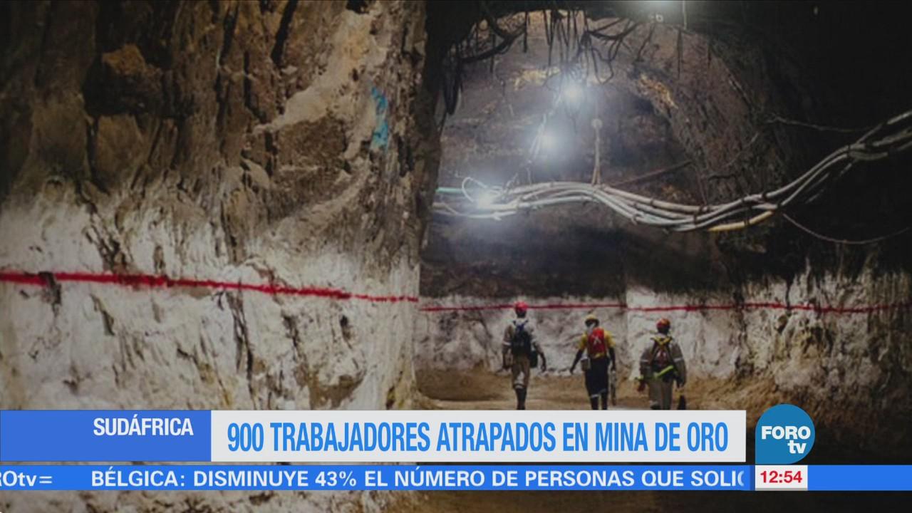 Novecientos trabajadores atrapados en una mina en Sudáfrica