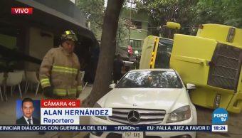 Vuelca Camión Carga Colonia Condesa