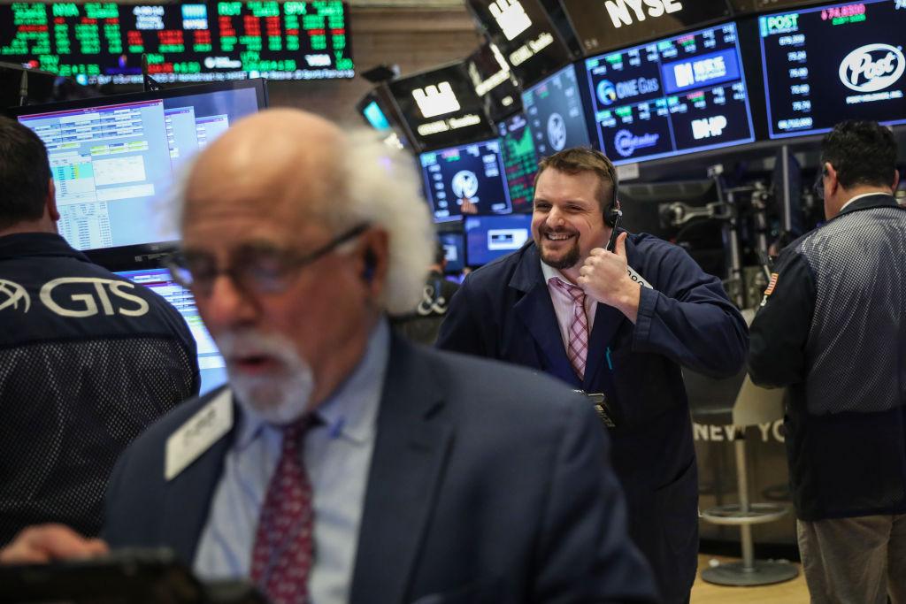 Wall Street recupera confirmarse diálogo Estados Unidos y China