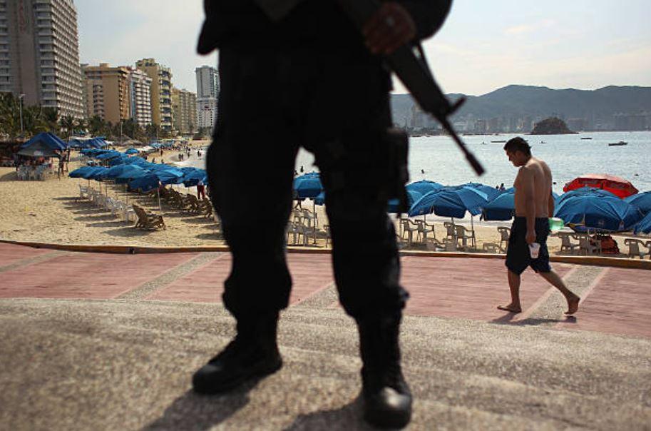 Alistan operativos para brindar seguridad a los turistas de Acapulco