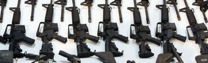 Armas se venden de forma ilegal en México a través de Facebook