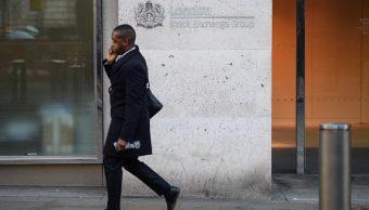 Las Bolsas europeas cierran con bajas por reportes corporativos