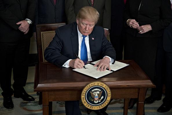 Donald Trump anuncia aranceles contra China