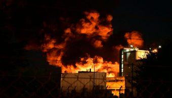 Incendio fábrica petroquímicos genera nube tóxica Argentina