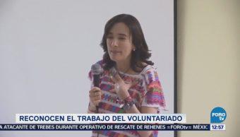 Juana Cuevas de Meade reconoce el voluntariado del IMSS