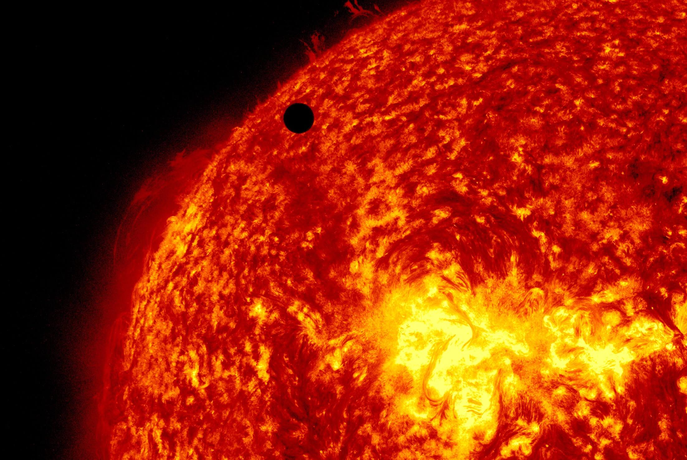 NASA ofrece transportar nombres personas Sol