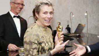 Cae hombre que robó estatuilla del Oscar a Frances McDormand en fiesta