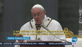Papa Francisco celebra la Misa Crismal en la Basílica de San Pedro