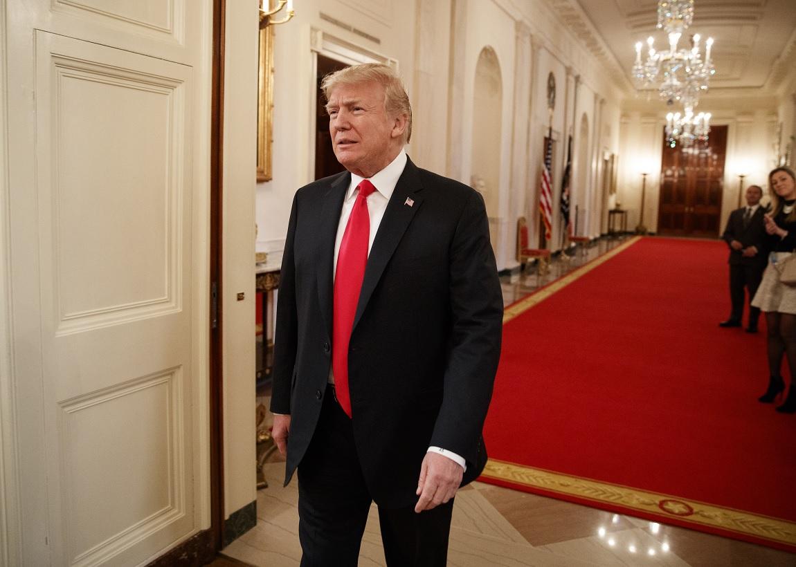 Trump sugiere que Estados Unidos imponga pena muerte narcotraficantes