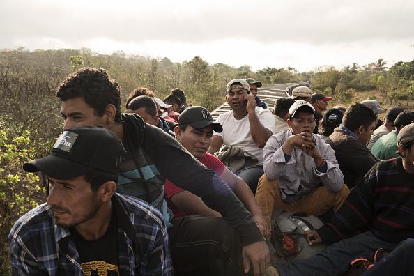 Migrantes sudamericanos permanecen varados en Oaxaca
