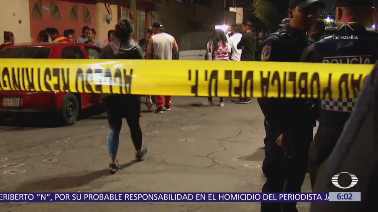 Balacera en Iztapalapa deja tres muertos y un herido
