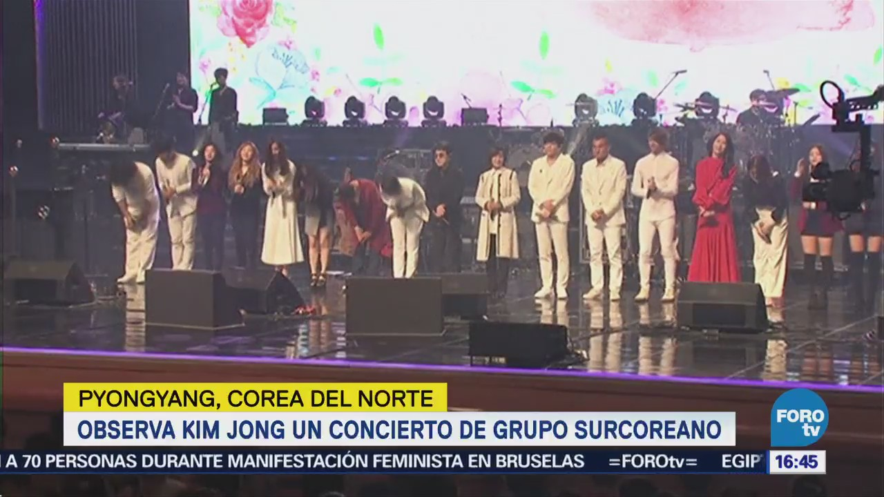 Observa Kim Jong Concierto Grupo Surcoreano