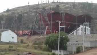 Colapsa domo del Lienzo Charro de Atlacomulco, Edomex