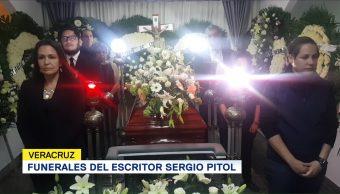 Funerales del escritor Sergio Pitol en Veracruz