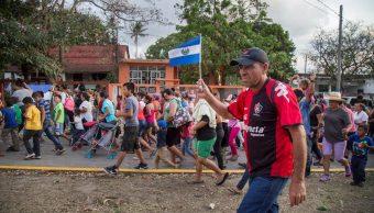 Migrantes varados en México prometen seguir avanzando tras amenazas de Trump