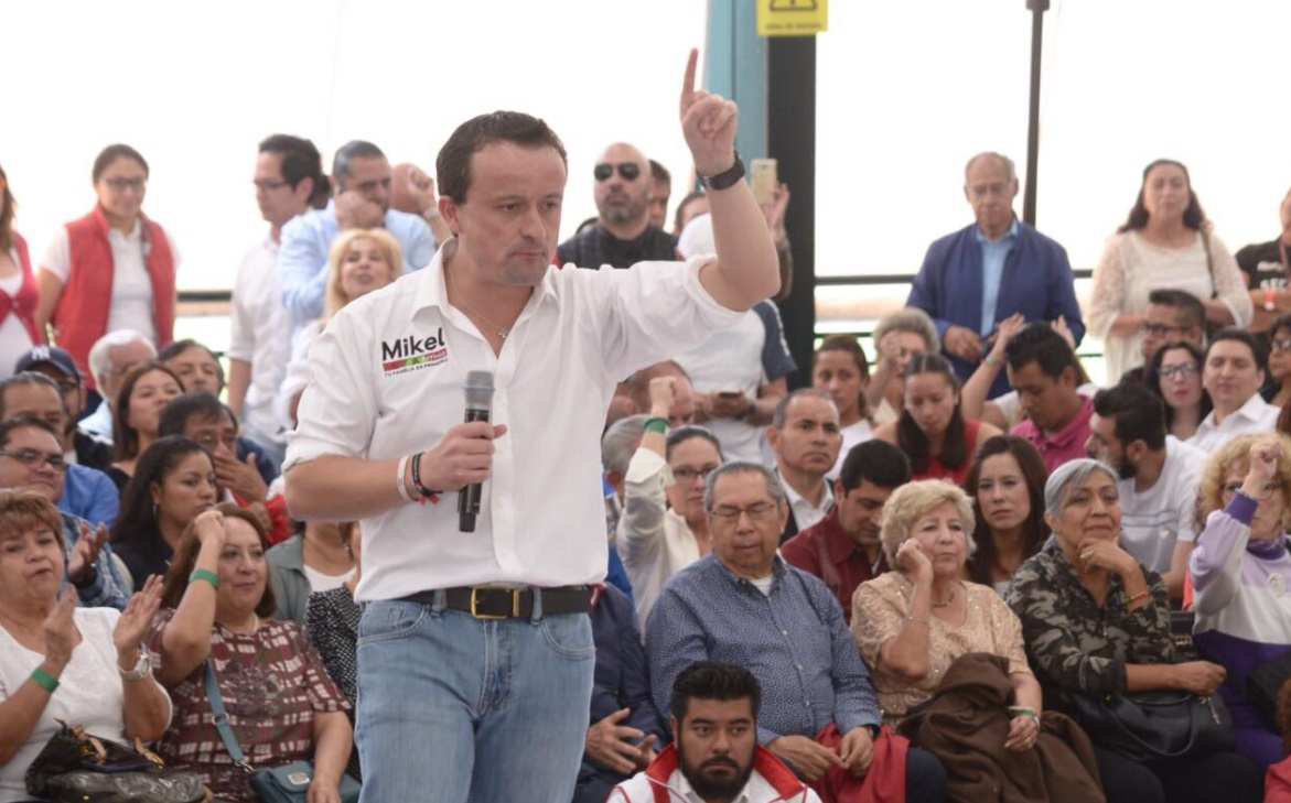 Mikel Arriola se reúne con trabajadores del ISSSTE