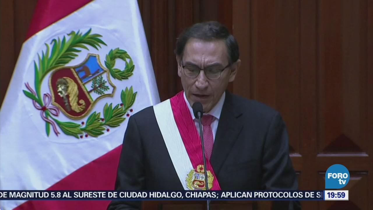 Presidente de Perú toma juramento a nuevo Gabinete