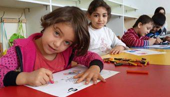 Voluntarios proyecto Fratelli ayudan refugiados sirios Líbano