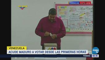 Acude Maduro a votar desde las primeras horas