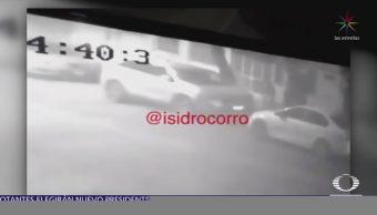 En minutos, sujetos roban llantas a una camioneta en Tlalnepantla, Edomex