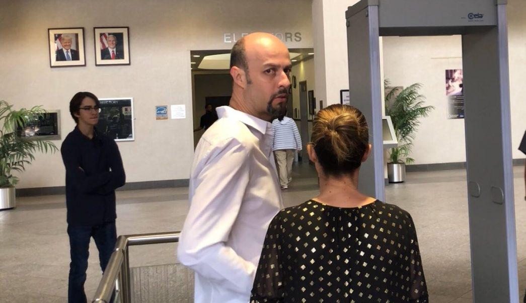 Exbeisbolista Esteban Loaiza obtiene libertad fianza