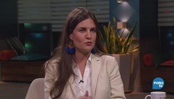 Genaro Lozano entrevista a Alexandra Haas