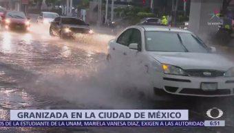 Lluvia y granizo provocan caos vial en la CDMX