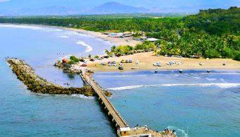 Suspenden traslados en lancha por mar de fondo en Ixtapa