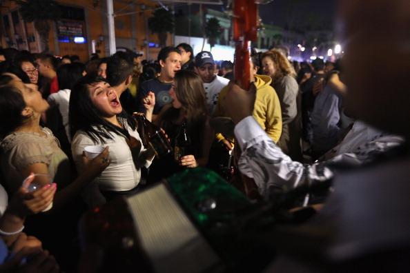 familia celebra en plaza garibaldi el dia de las madres